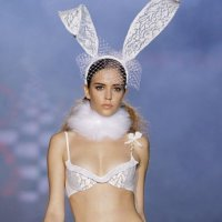 Andres Sarda Autumn/Winter 2010 Fashion Show