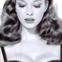 Christina Hendricks, corsets and Mad Men