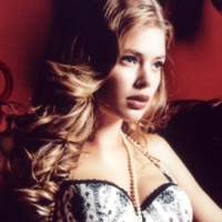Doutzen Kroes: Victoria's Secret à la Boudoir Photoshoot