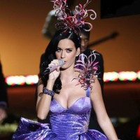 Katy Perry rocks Victoria&#8217;s Secret Fashion Show 2010
