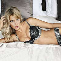 Luisana Lopilato for Ultimos Valentines Day Campaign