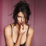 Adriana-Lima-Gorgeous-for-Victorias-Secret-Lingerie-Photoshoot-19