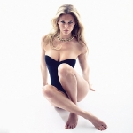 Bar-Refaeli-sexy-GQ-photo-shoot-1