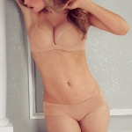 Doutzen-Kroes-Victorias-Secret-lingerie-photoshoot-5