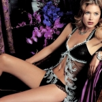 Doutzen-Kroes-in-Victorias-Secret-a-la-Boudoir-Photoshoot-3
