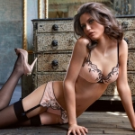 Intimissimi-fall-winter-2010-lingerie-collection-29