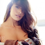 Sarah-Shahi-in-underwear-for-Esquire-2