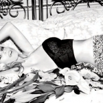Claudia-Schiffer-Guess-Lingerie-Photo-2