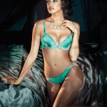 irina-shayk-la-clover-lingerie-1