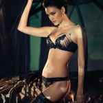 irina-shayk-la-clover-lingerie-9