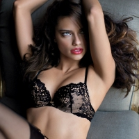 How to Accentuate Curves With Lingerie