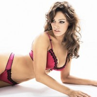Kelly Brook No Longer Works For Ultimo