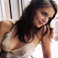 Katie Holmes Spent $15 000 On Lingerie To Celebrate Her Divorce From Tom Cruise
